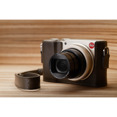 LEICA C-Lux Light Gold Essential Kit *Christmas Limited Offer*